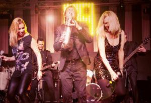 Coverband Köln Düsseldorf, unsere Live Band spielt die größten Hits der letzten Jahrzehnte von Pop - Rock