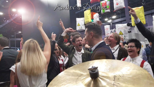 Live Musik mit Amber's Delight, tolle Stimmung bei Messe Standparty