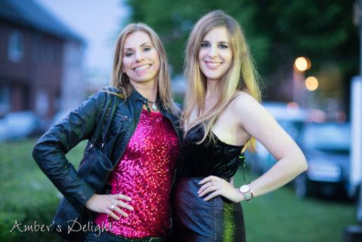Unsere beiden Sängerinnen, Ambers Delight Band beim Maifest Frechen Grefrath Saengerinnen